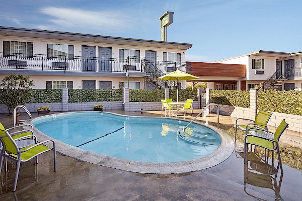 pool of studio inn hotel downey la